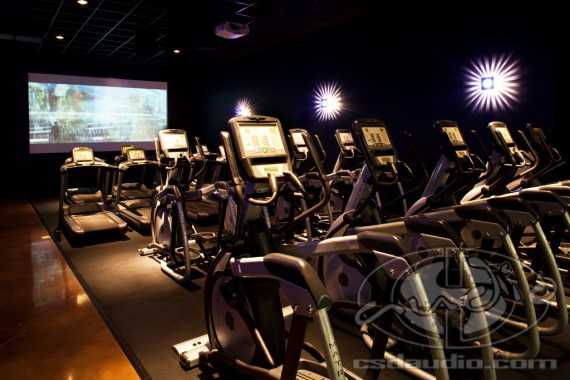 Cardio theater - Image source: Golds Gym